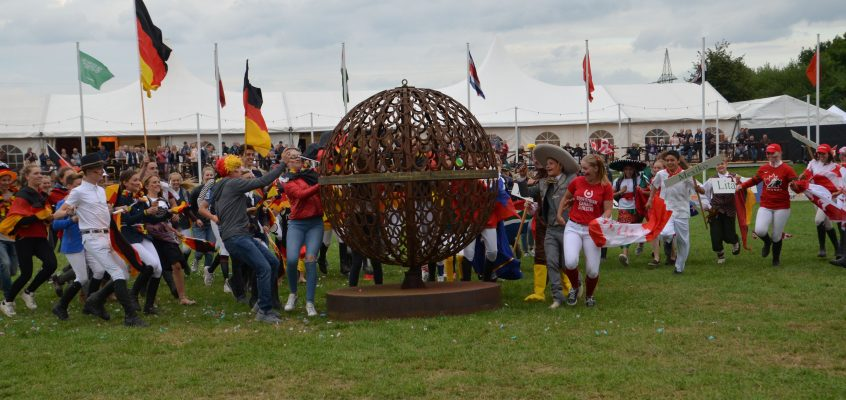 Konfetti-Bombe zur Eröffnung der German Friendships Games
