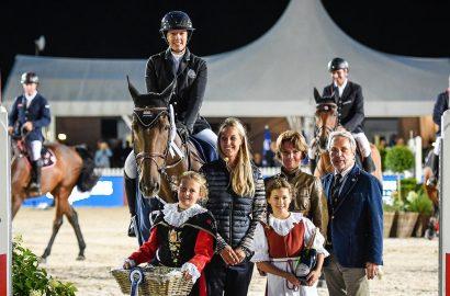 Gudrun Patteet gewinnt Donnerstag-Hauptspringen in St. Moritz