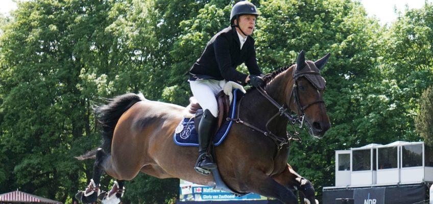 Britischer Derbysieger vor Gilbert Tillmann und Sandra Auffarth