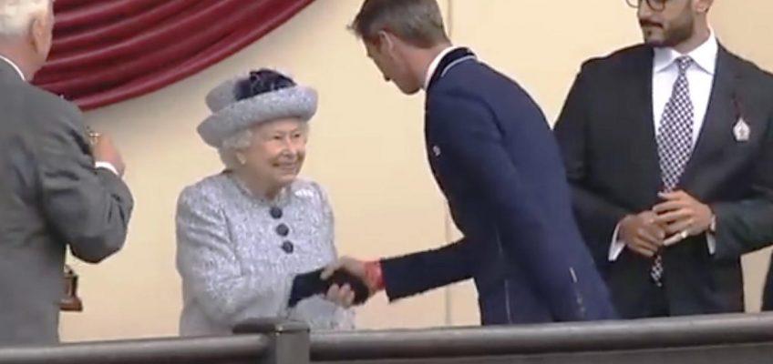 The Queen persönlich ehrt Daniel Deusser für zweiten Sieg in Windsor