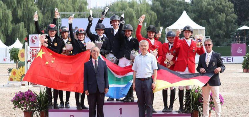 Peking: Deutsches Junge Reiter Team auf Platz drei hinter Südafrika und China