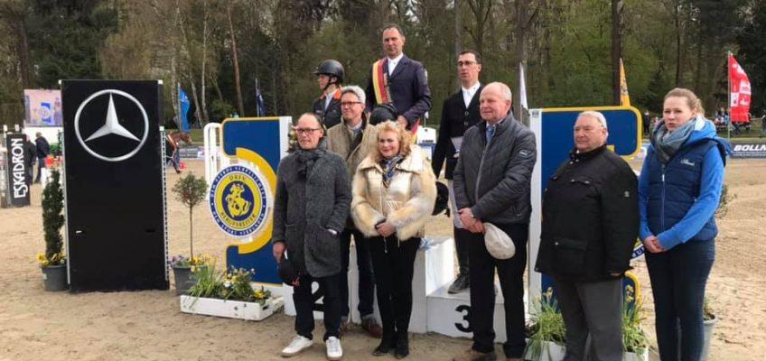 Martin Sterzenbach gewinnt Deutsches Championat der Berufsreiter
