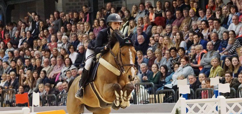 Justine Tebbel + Sophie Hinners für Young Riders Academy ausgewählt