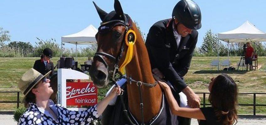 André Thieme siegt im Großen Preis von Bonhomme – Max Wricke gewinnt Weissgoldenes Pferd!