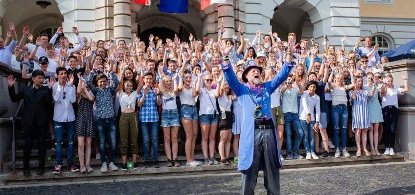 """Von der """"German-Friendships-Allee"""" im Kutschenkorso ins Herforder Rathaus"""