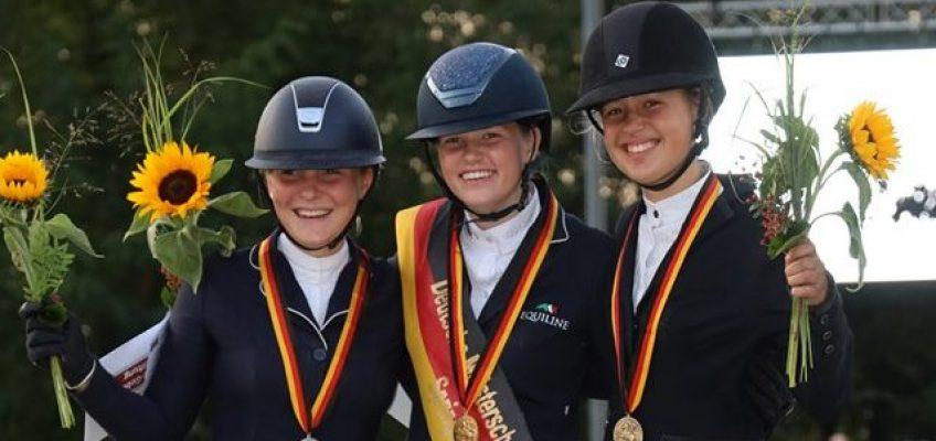 DJM Zeiskam: Johanna Beckmann ist Meisterin der Ponyspringreiter