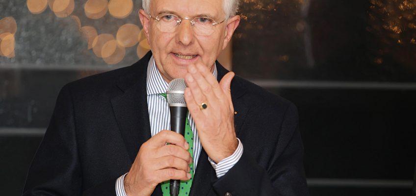 Reiterkreuz in Gold für den Pferdemann Christoph Hess