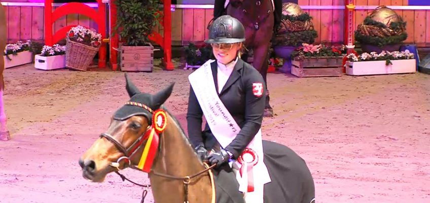 Alina Sparwel Junior Champion beim Salut Festival in Aachen