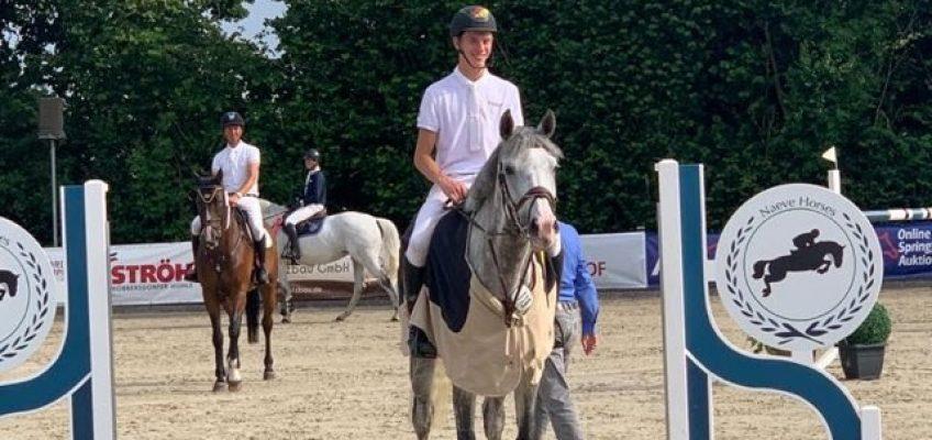 Hannes Ahlmann galoppiert starker Konkurrenz in Ehlersdorf davon!