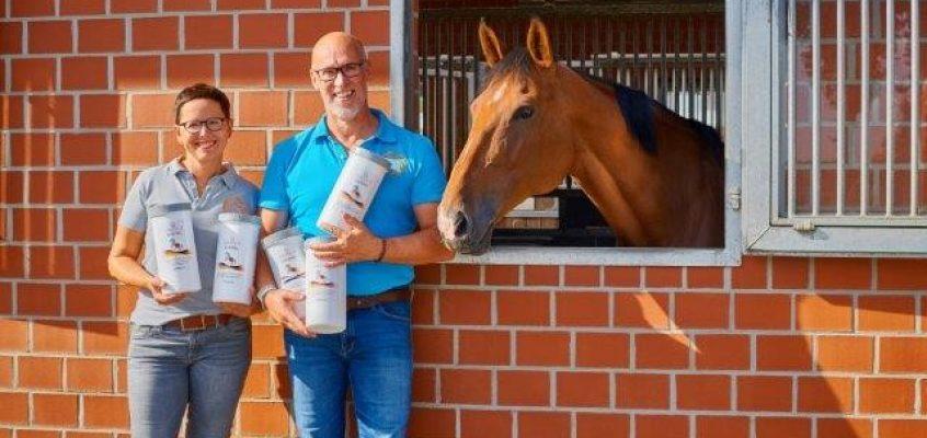 Mit Algen gegen Stress: Zwei Hamburger entwickeln spezielle Paste für junge und nervöse Pferde