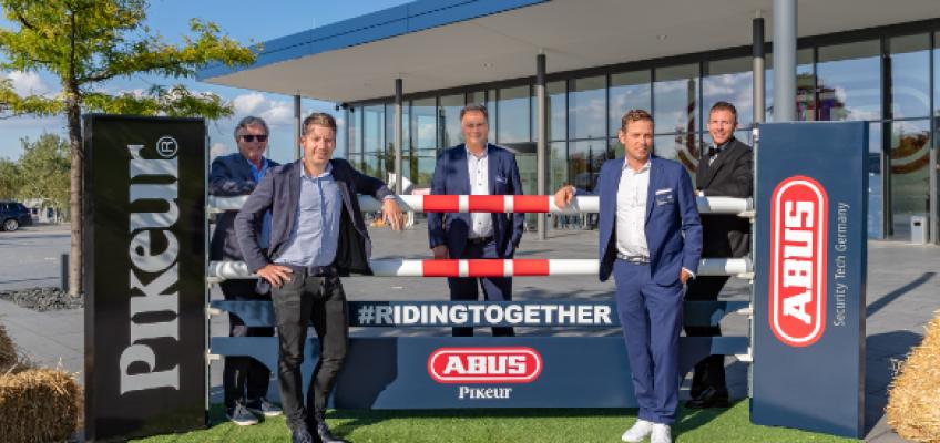 Neue Helme – ABUS  und  Pikeur  kooperieren  im Reitsport