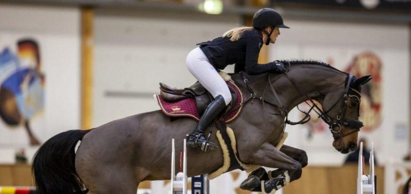 Finja Bormann wird mit Start-Ziel-Sieg Deutsche Meisterin