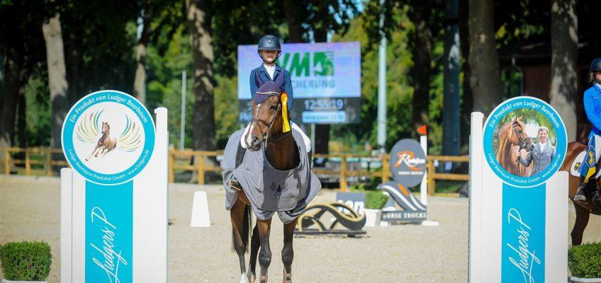 Erste Siegerinnen im Preis der Besten: Hanna Schreder und Naomi Himmelreich