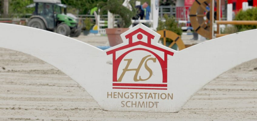 Hengststation Schmidt: Neu-Benthen bietet Springsport pur
