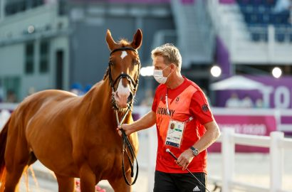 """Vet Check in Tokio: Alle deutschen Pferde """"fit to compete""""!"""