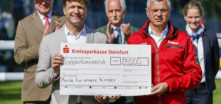 Deutsches Springreiter-Team spendet 7000 Euro – Teil des EM Preisgeldes geht an Verein Pferde für unsere Kinder